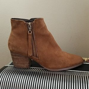 AWESOME ALDO TAN SUEDE SIDE ZIP BOOTS